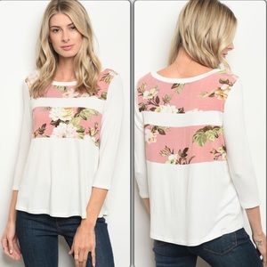 🌺 Pink and Ivory Floral Top